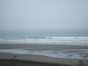 オアクラビーチも波があれば良さそうな地形です